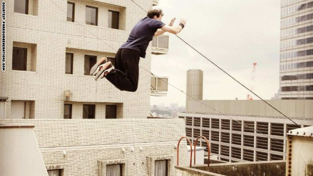 قفزة الموت والركض على الجدران والالتفاف في الهواء